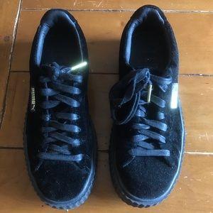 FENTY X PUMA black velvet, platforms